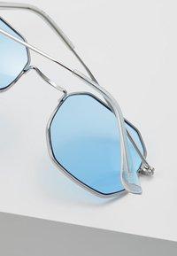 Jack & Jones - JACHYPER SUNGLASSES - Sunglasses - ensign blue - 3