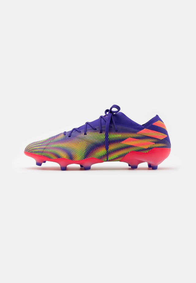 NEMEZIZ .1 FOOTBALL BOOTS FIRM GROUND - Korki Lanki - energy ink/signal pink/signal green
