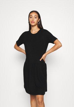 NMJOSE LOOSE DRESS - Strickkleid - black