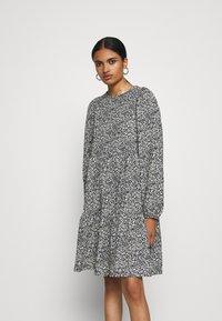 ONLY - ONLZILLE SHORT DRESS - Vestito di maglina - night sky - 0