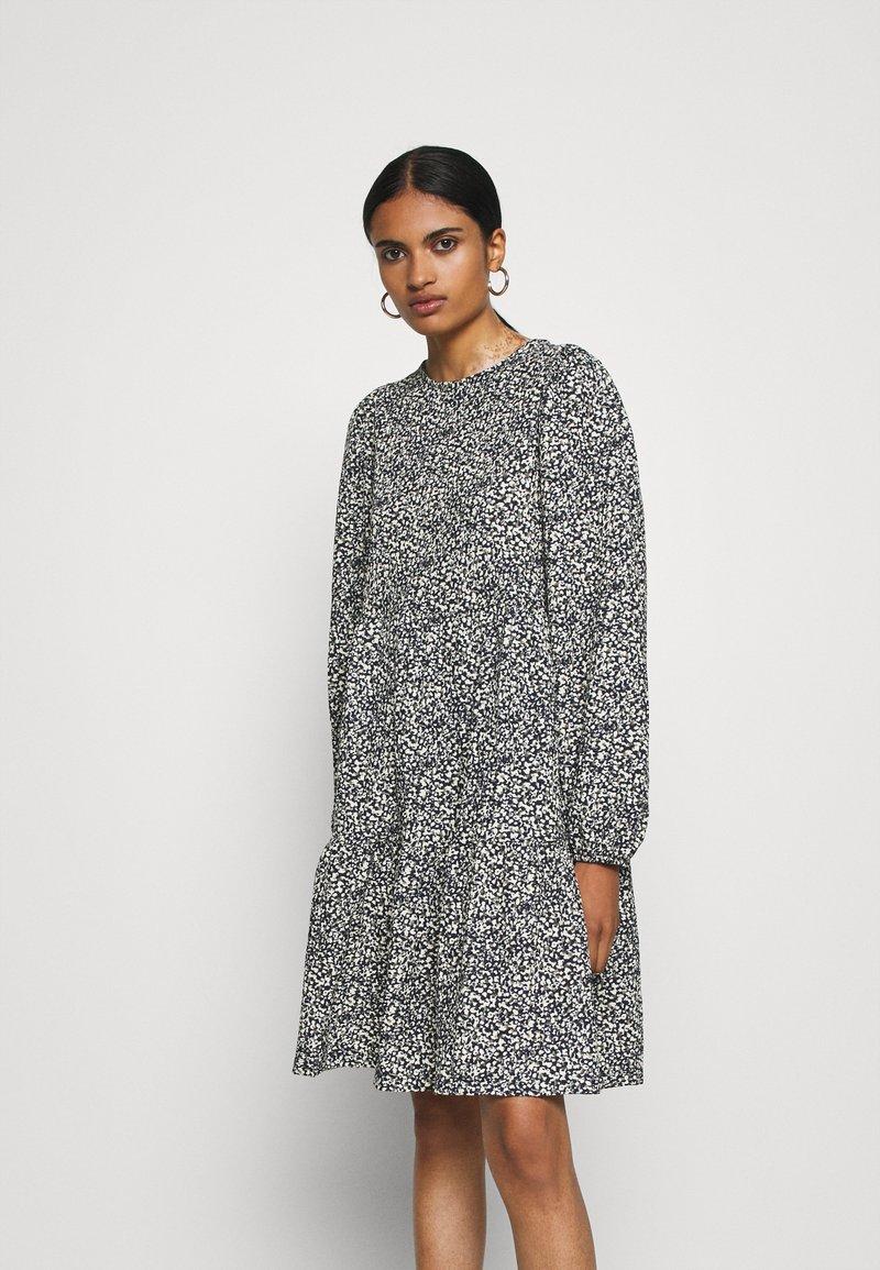 ONLY - ONLZILLE SHORT DRESS - Vestito di maglina - night sky