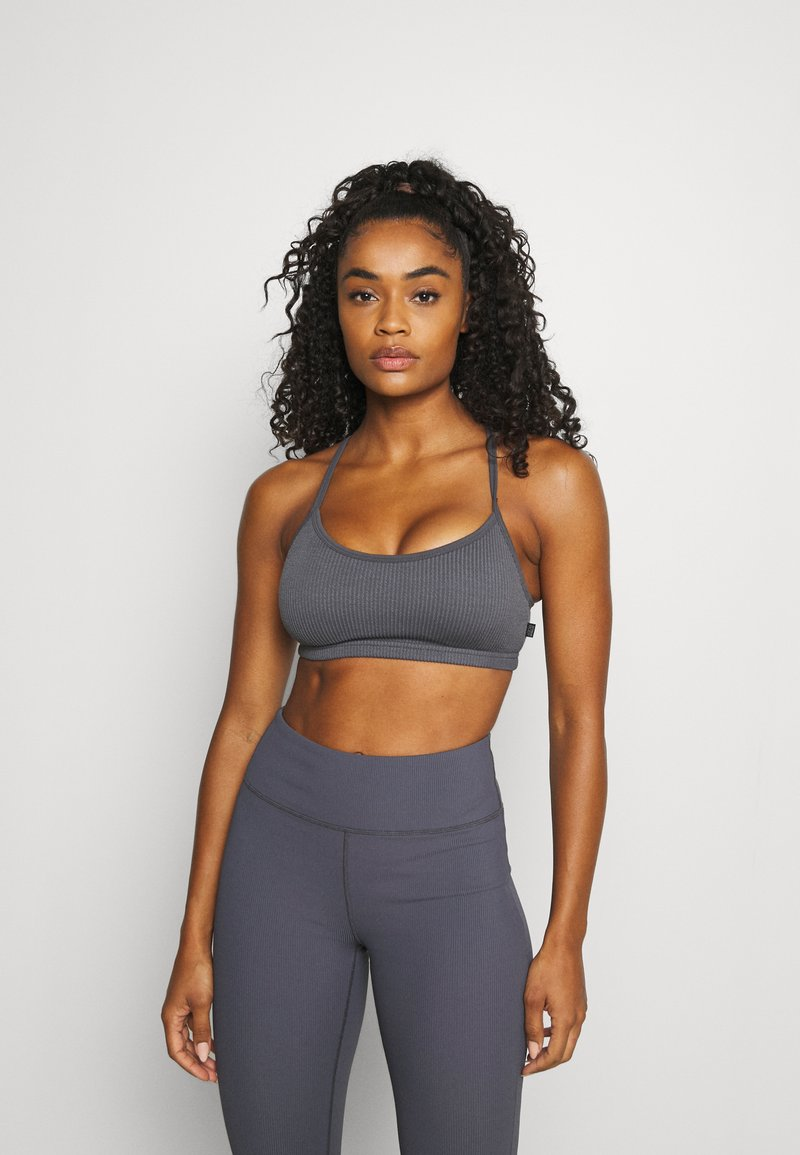 Cotton On Body - WORKOUT YOGA CROP - Light support sports bra - pewter grey