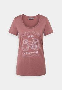 Icebreaker - TECH LITE SCOOP TOUR CLUB 1995 - T-Shirt print - suede - 0