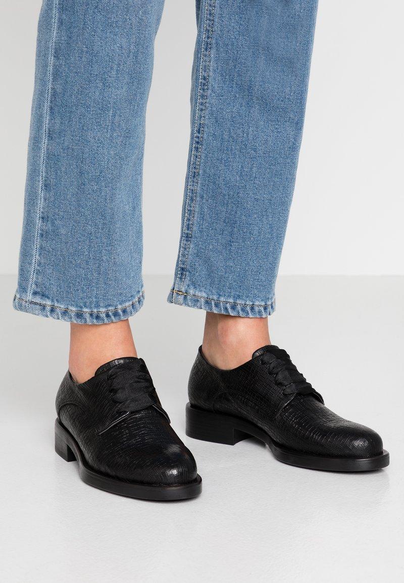 lilimill - VIENNA - Šněrovací boty - fred nero