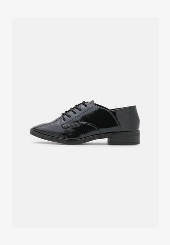 HERMIONE - Zapatos de vestir - black