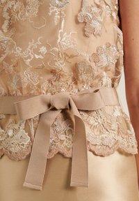 Luisa Spagnoli - PECHINOS - Cocktail dress / Party dress - floreale beige beige - 3