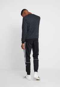 adidas Originals - MONO CREW - Sweater - black - 2