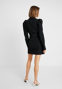 Nly by Nelly - VOLUME SLEEVE SUIT DRESS - Kjole - black - 3