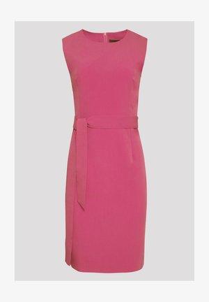 Pouzdrové šaty - pink