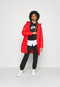Nike Sportswear - CORE - Cappotto invernale - chile red/white - 1