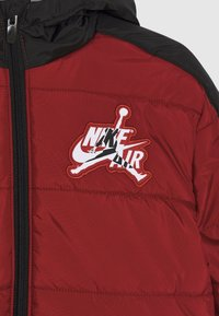 Jordan - JUMPMAN CLASSIC PUFFER - Winter jacket - gym red - 2