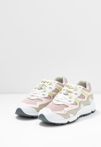 New Balance - WL850 - Sneakers - pink - 4