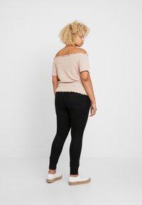 New Look Curves - SNOWY BARDOT - Print T-shirt - nude - 2