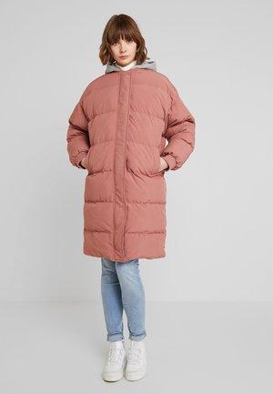 LONGLINE PUFFER  - Płaszcz zimowy - pink