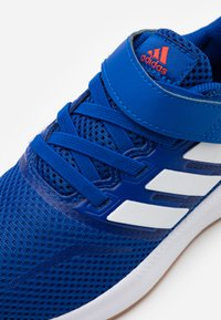 adidas Performance - RUNFALCON UNISEX - Neutral running shoes - royal blue/footwear white - 5