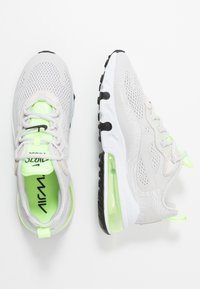 Nike Sportswear - AIR MAX 270 REACT - Sneakersy niskie - vast grey/ghost green/white - 3