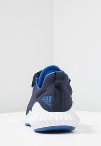 adidas Performance - FORTARUN - Obuwie do biegania treningowe - collegiate navy/blue/footwear white - 3