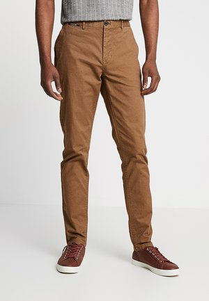 MOTT CLASSIC - Chinos - coffee
