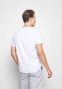 Pier One - Camiseta básica - white - 2
