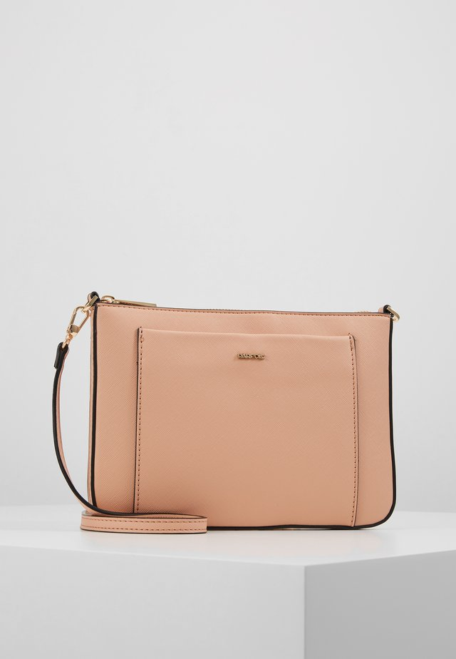 Clutches - light pink