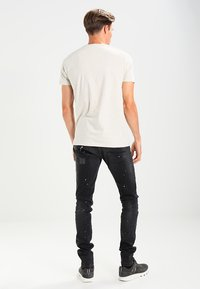 Cars Jeans - CAVIN - Slim fit jeans - black used - 2