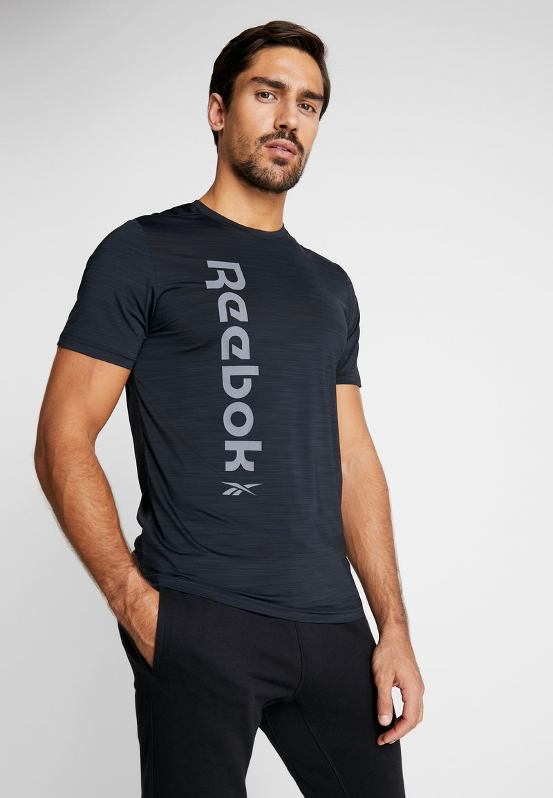 Reebok - WORKOUT SPORT SHORT SLEEVE GRAPHIC TEE - T-Shirt print - black
