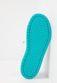 Nike Performance - PICO 5 UNISEX - Sports shoes - photon dust/oracle aqua/hyper blue/ghost green - 5