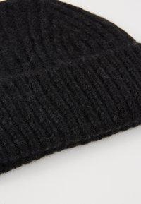 CLOSED - KNITTED HAT - Čepice - black - 4