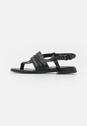 GRAM - Sandály s odděleným palcem - nero