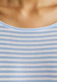 mbyM - LUCIANNA - Print T-shirt - serenity/sugar - 5
