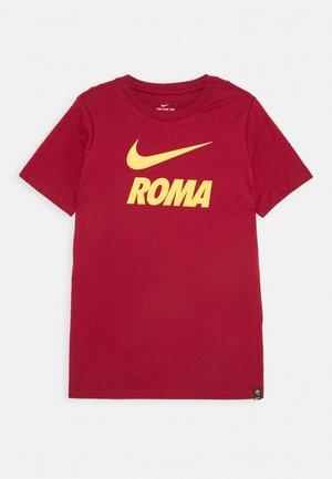 AS ROM TEE GROUND - Club wear - team crimson
