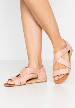 WIDE FIT REAM MINI CROSS OVER - Espadrilky - pink