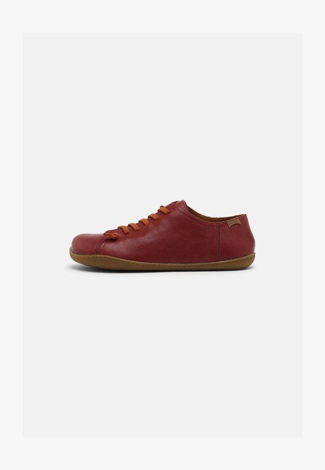 PEU CAMI - Chaussures à lacets - burgundy