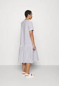 JUST FEMALE - RIALTO PLACKET DRESS - Day dress - pavement - 2