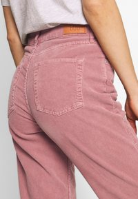 BDG Urban Outfitters - HATAY - Trousers - rose - 4