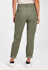 Next - Chino - green - 2