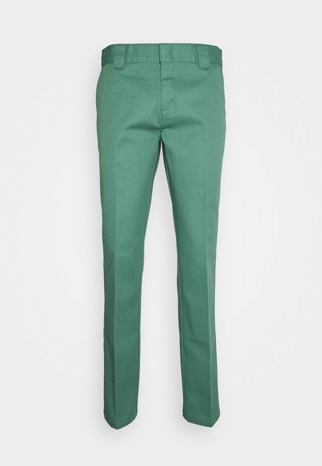 872 SLIM FIT WORK PANT - Chinos - lincoln green