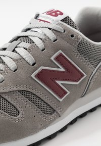 New Balance - 373 - Sneakers - grey/red - 5