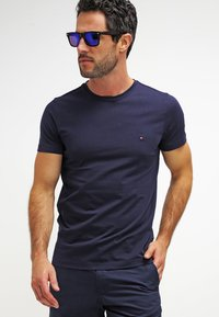 Tommy Hilfiger - NEW STRETCH TEE C-NECK - Camiseta básica - navy blazer - 3