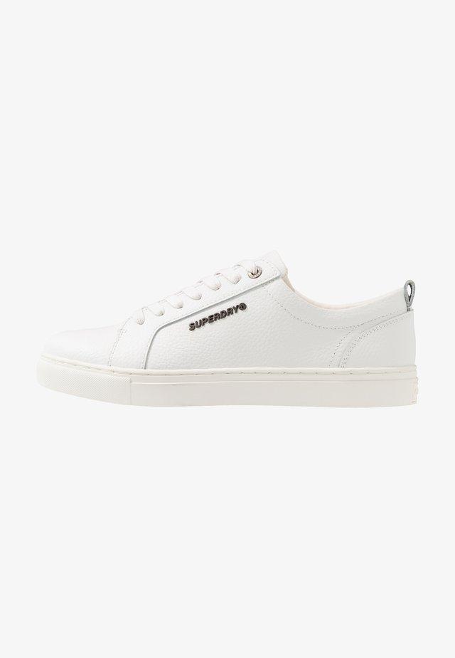 TRUMAN - Sneakersy niskie - white