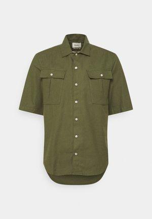 YAK - Shirt - army