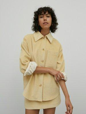 ÜBERGANGS HARLEE - Fleece jacket - gelb