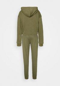 Missguided Tall - CROP ZIP HOODY JOGGER SET - Zip-up hoodie - khaki - 1