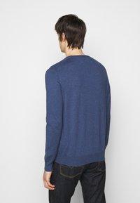 Polo Ralph Lauren - SLIM FIT COTTON SWEATER - Neule - derby blue heather - 2
