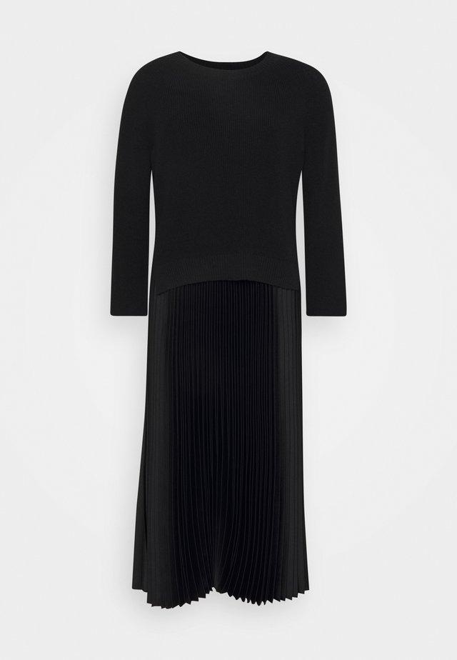 2-IN-1 - Pullover - black