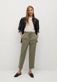 Mango - FLU - Trousers - grün - 1