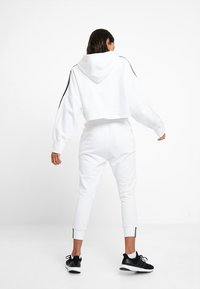 adidas Originals - ADICOLOR CROPPED HODDIE SWEAT - Hoodie - white