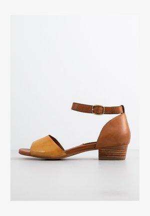 Sandals - sole
