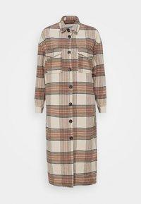 ONLY - ONLLOLLY LONG CHECK COAT - Klassisk frakke - whitecap gray - 4