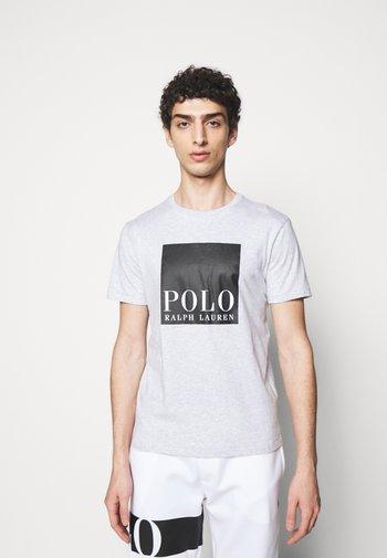 T-shirt med print - smoke heather
